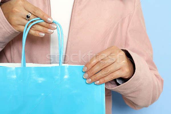 Compras mulher bolsa de compras mulheres adolescente Foto stock © aremafoto