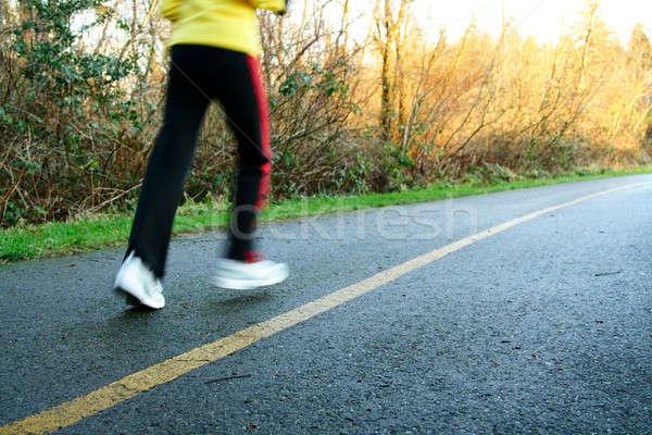 Délután fut nő testmozgás fut út Stock fotó © aremafoto