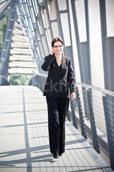 Stockfoto: Latino · zakenvrouw · telefoon · portret · praten · business