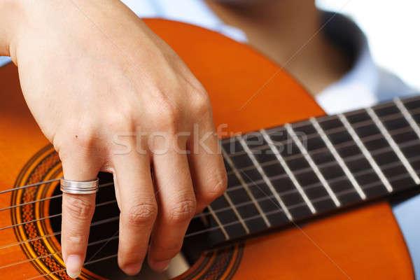 Guitarrista mão madeira ponte preto soar Foto stock © aremafoto