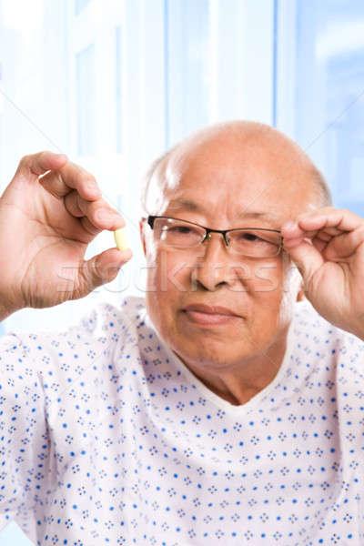 Ancianos Asia salud tiro hombre examinar Foto stock © aremafoto