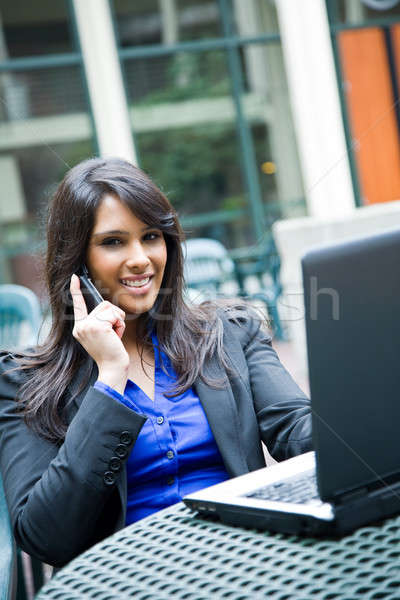 Stockfoto: Indian · zakenvrouw · laptop · shot · praten · telefoon