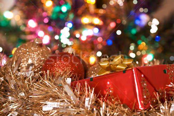 Сток-фото: Рождества · представляет · выстрел · настоящее · украшения · рождественская · елка