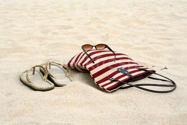 Stockfoto: Strand · vakantie · paar · sandalen · zonnebril · reizen