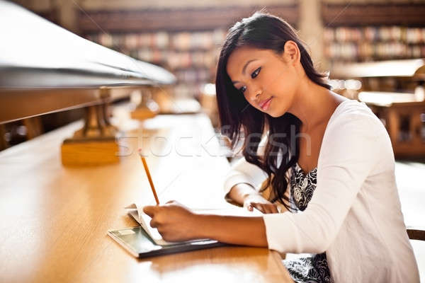 Foto stock: Asia · estudiante · estudiar · tiro · biblioteca · mujer