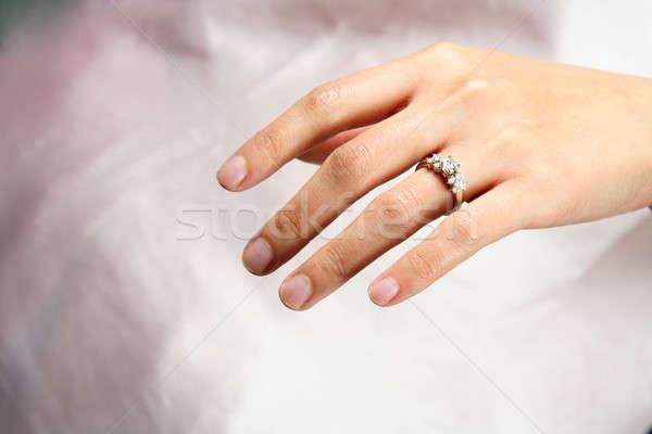 ダイヤモンドリング 女性 手 着用 花嫁 リング ストックフォト © aremafoto