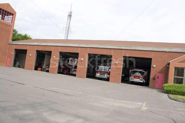 Moderno fogo estação enorme casa edifício Foto stock © ArenaCreative