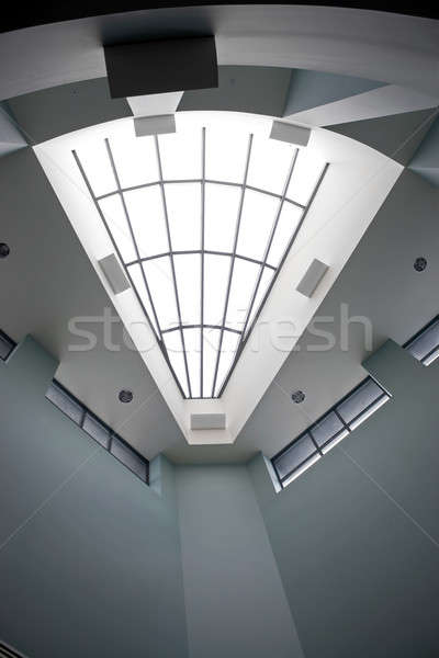 Nowoczesne architektoniczny wnętrza świetlik biuro Zdjęcia stock © ArenaCreative
