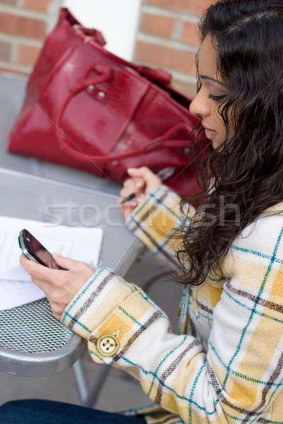 Stockfoto: Vrouw · stad · aantrekkelijk · indian · zoeken