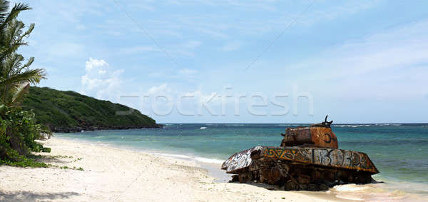 Flamenco praia exército tanque velho enferrujado Foto stock © ArenaCreative
