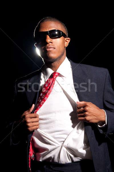 Homme d'affaires jeunes shirt ouvrir Photo stock © ArenaCreative