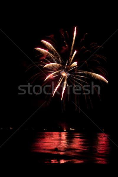 Stockfoto: Vuurwerk · water · mooie · af · donkere