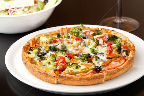 Especialidade pizza fresco tamanho extra quente Foto stock © ArenaCreative