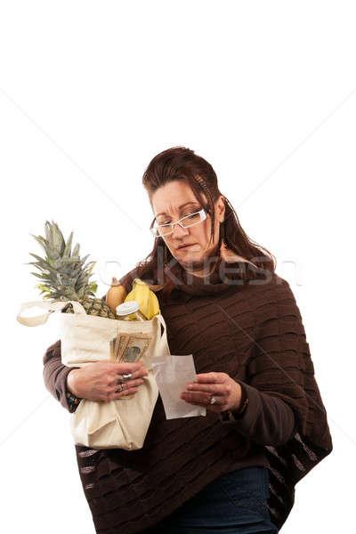 élelmiszer vásárlás középkorú nő óvatosan megvizsgál nyugta Stock fotó © arenacreative