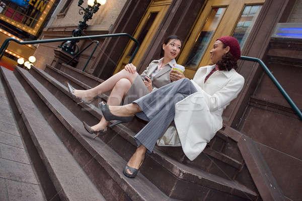 Negocios mujeres dos casual reunión debate Foto stock © ArenaCreative