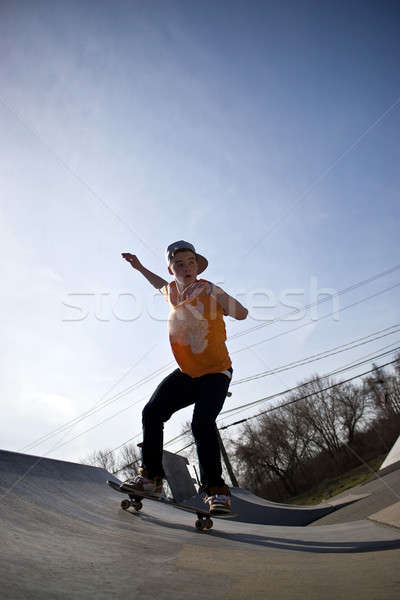 Skateboarder skate parc portrait jeunes patinage Photo stock © ArenaCreative
