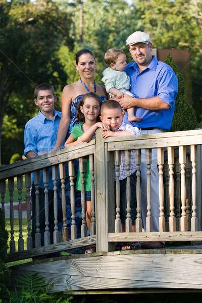 Família retrato jovem crianças parque caminhada Foto stock © ArenaCreative