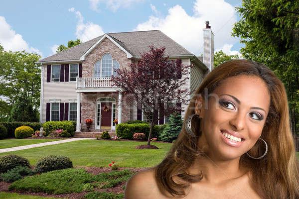 Gondolkodik ingatlan fiatal nő álmok saját otthon Stock fotó © ArenaCreative