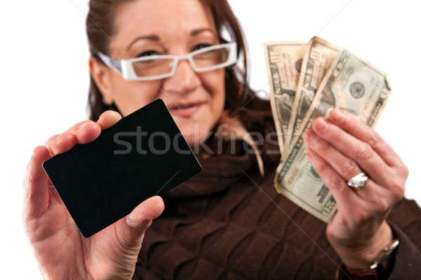 Mujer efectivo tarjeta de crédito cuidadosamente Foto stock © ArenaCreative