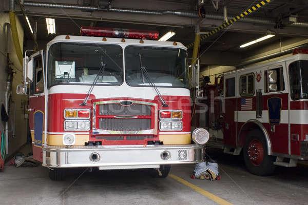 Wóz strażacki ognia wyposażenie narzędzi Zdjęcia stock © ArenaCreative
