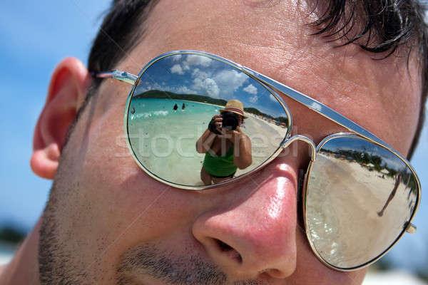 Tropikalnej plaży wakacje człowiek Zdjęcia stock © ArenaCreative