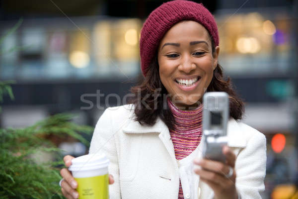 Iş kadını şehir çekici cep telefonu web Stok fotoğraf © ArenaCreative