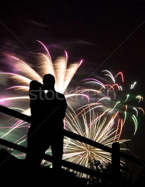 Foto d'archivio: Fuochi · d'artificio · bacio · silhouette · bacio · Coppia · enorme