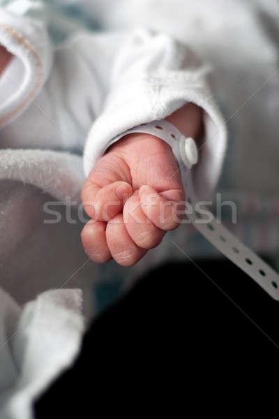 újszülött baba kéz közelkép gyermekek karszalag Stock fotó © ArenaCreative