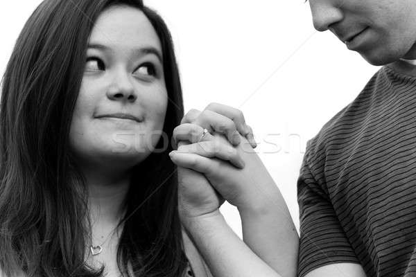 Comprometido casal mãos de mãos dadas Foto stock © arenacreative