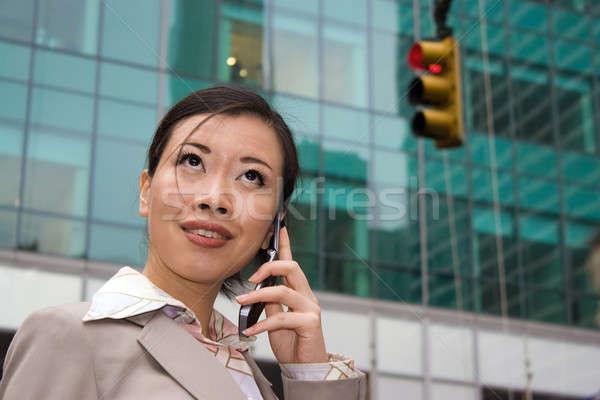 女性 市 魅力的な アジア ビジネス女性 話し ストックフォト © ArenaCreative