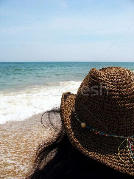 Tengerpart kalap bámul ki horizont szép Stock fotó © ArenaCreative