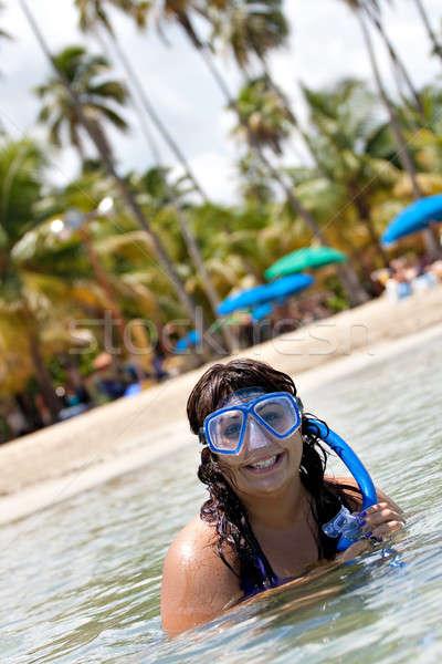 Vrouw snorkelen latino tropische caribbean zee Stockfoto © ArenaCreative