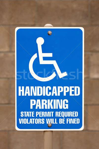 Gehandicapten parkeren teken parkeerplaats achtergrond Stockfoto © ArenaCreative