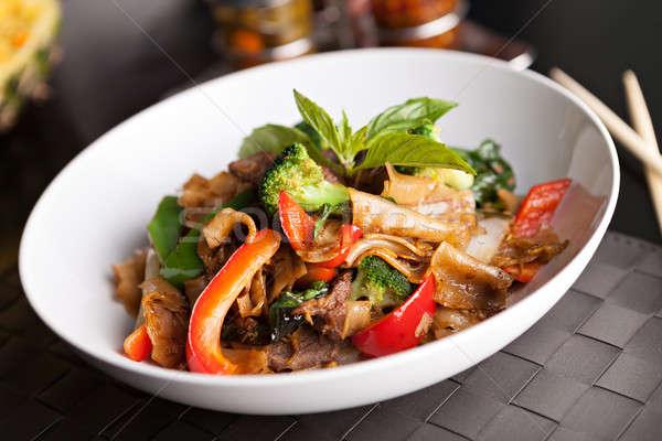 Részeg tészta thai étel thai lemez marhahús Stock fotó © ArenaCreative