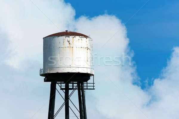 老 生疏 水 塔 部分 多雲 商業照片 © ArenaCreative