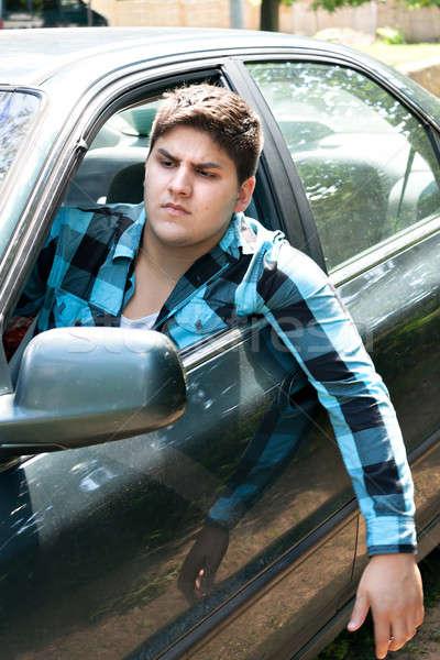Ingerült autó sofőr fiatalember vezetés jármű Stock fotó © arenacreative