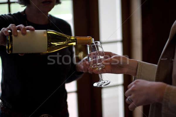 Degustação de vinhos copos de vinho festa restaurante preto Foto stock © ArenaCreative