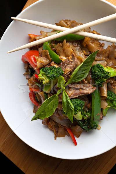 Részeg tészta thai étel thai edény marhahús Stock fotó © arenacreative
