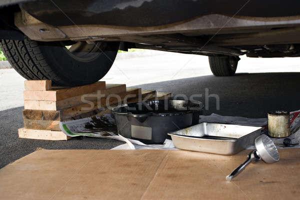 Autó karbantartás felfelé rendszeres jármű olaj Stock fotó © ArenaCreative