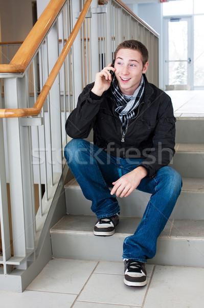 Photo stock: Cool · Guy · téléphone · portable · jeune · homme · s'asseoir · escaliers