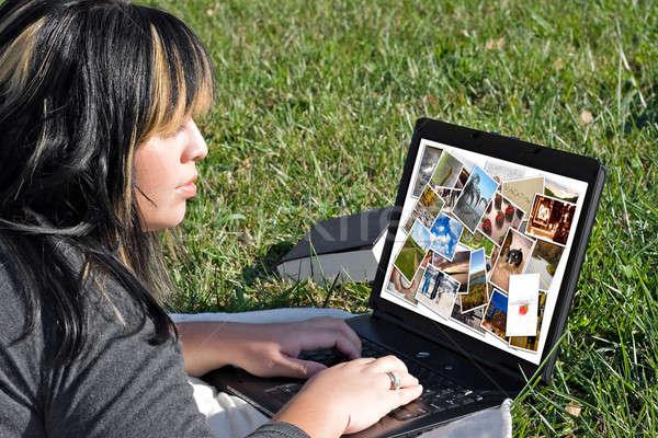 Foto stock: Mulher · foto · mulher · jovem · galeria · fotos · computador · portátil