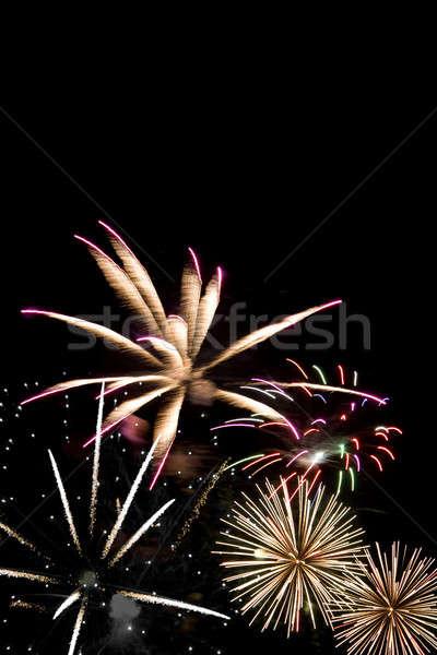 Foto stock: Belo · fogos · de · artifício · escuro · céu · noturno · festa · luz