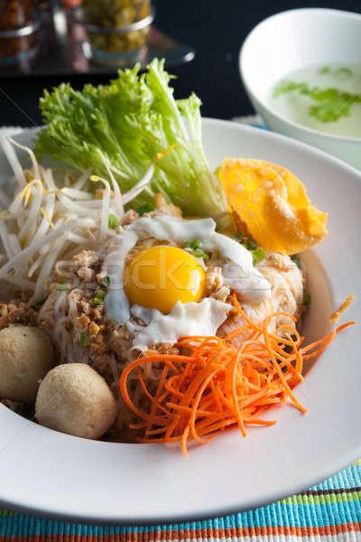 Thai macarrão prato ovo frito estilo arroz Foto stock © arenacreative