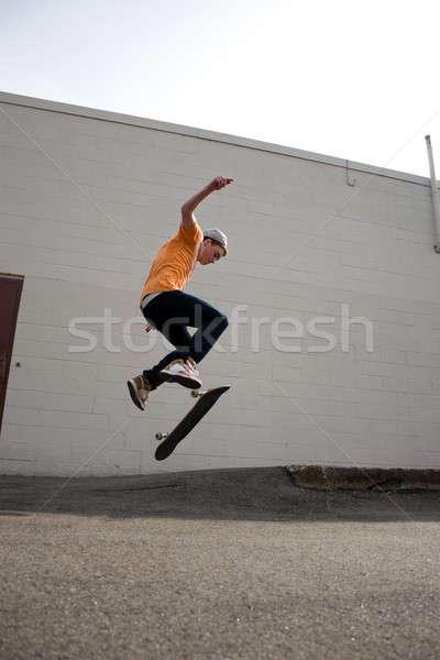 Skateboarder kid portret jonge truc Stockfoto © ArenaCreative