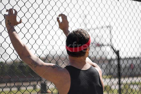 Młodych koszykówki w górę łańcucha Zdjęcia stock © ArenaCreative