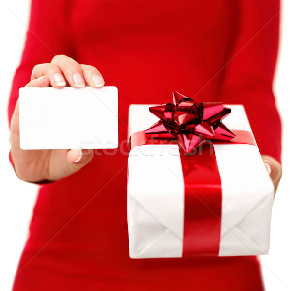 Weihnachten vorliegenden Geschenkkarte Frau halten Visitenkarte Stock foto © Ariwasabi