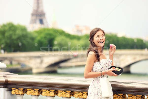 Stock fotó: Párizs · lány · nő · mosolyog · eszik · francia · sütemény