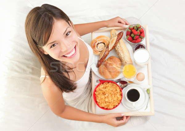 Desayuno cama mujer grande desayuno continental Asia Foto stock © Ariwasabi