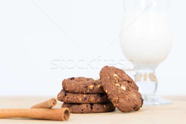 クッキー ミルク ガラス 暗い 木製のテーブル チョコレート ストックフォト © armin_burkhardt