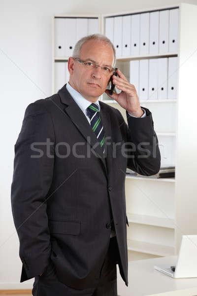 Eski iş adamı telefon bilgisayar ofis telefon Stok fotoğraf © armstark